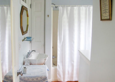 applehill_keepsake4 bathroom